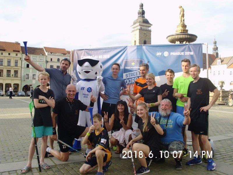 Na Street Floorball League náš tým vybojoval bronzové medaile!